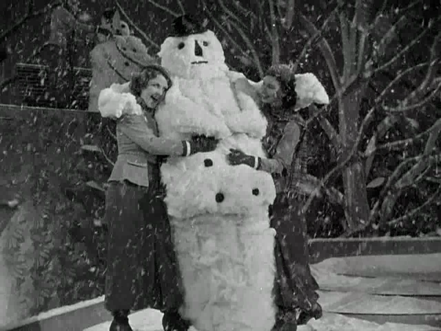 gold-diggers-of-1933-snowman