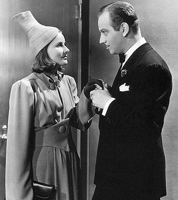 ninotchka the hat 2